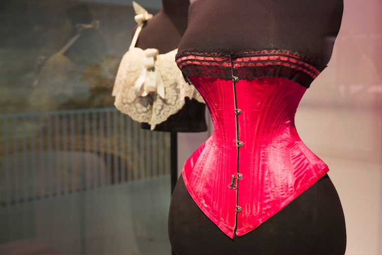 Undressed Review: V&A Exhibition
